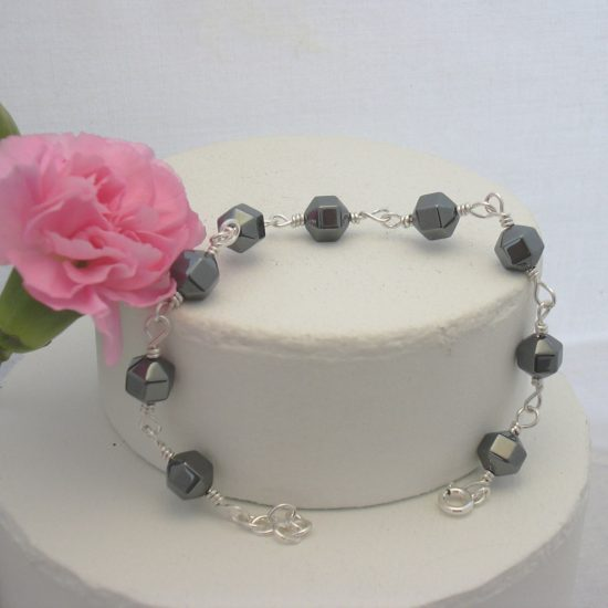 hematite-faceted-bead-bracelet