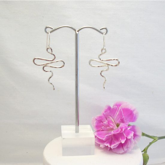 squiggle-earrings