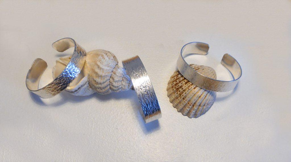 silver-bangles